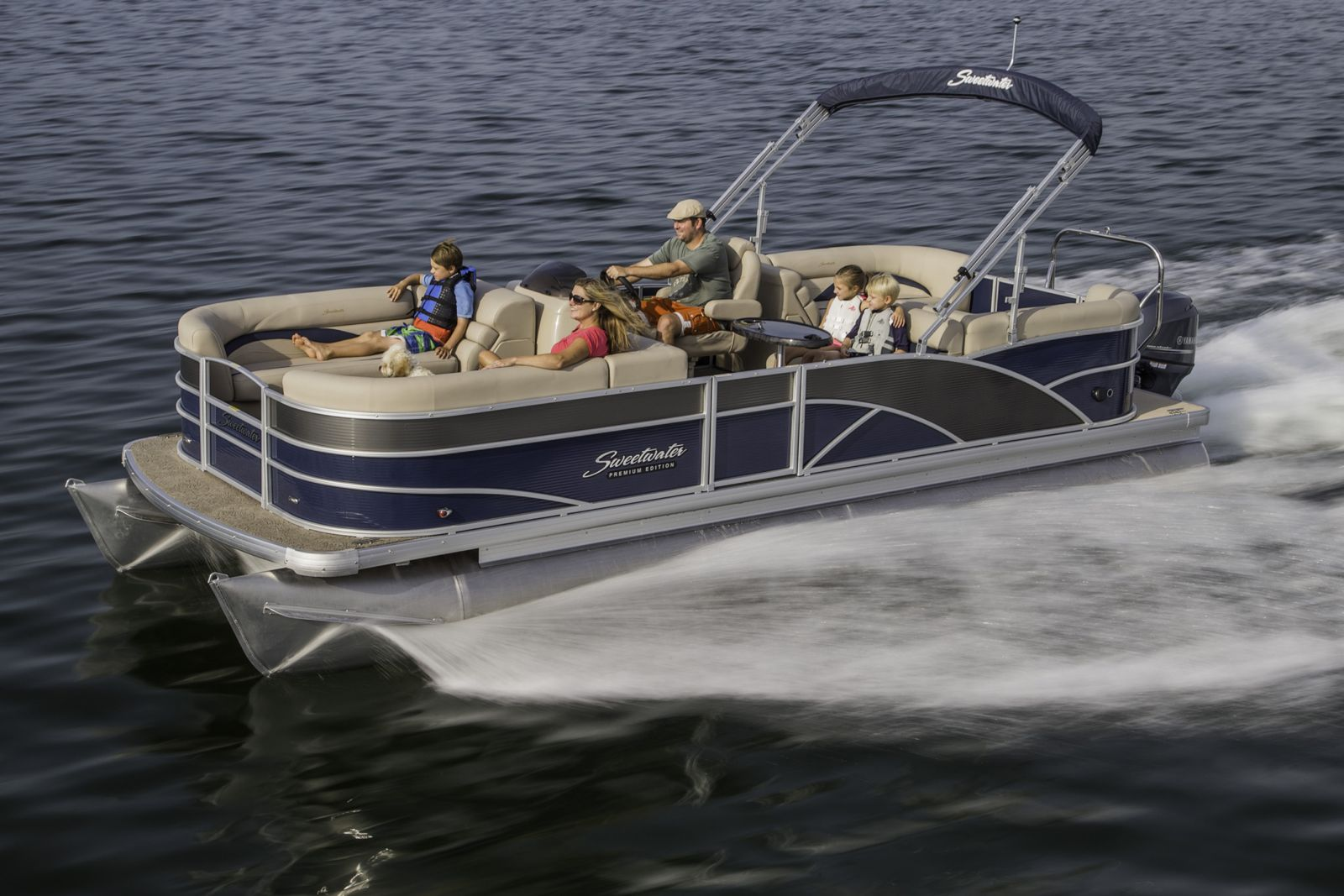 904 Happy Hour - Article - The new Freedom Boat Club fleet