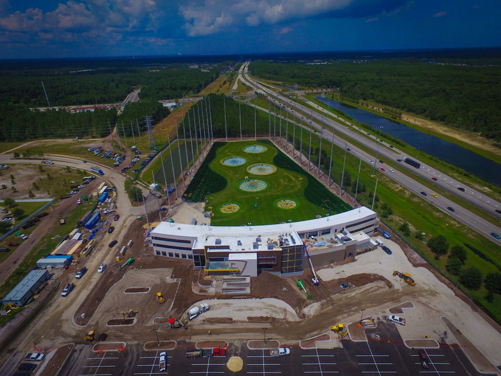 904 happy hour article topgolf jacksonville progress at the town center. Black Bedroom Furniture Sets. Home Design Ideas